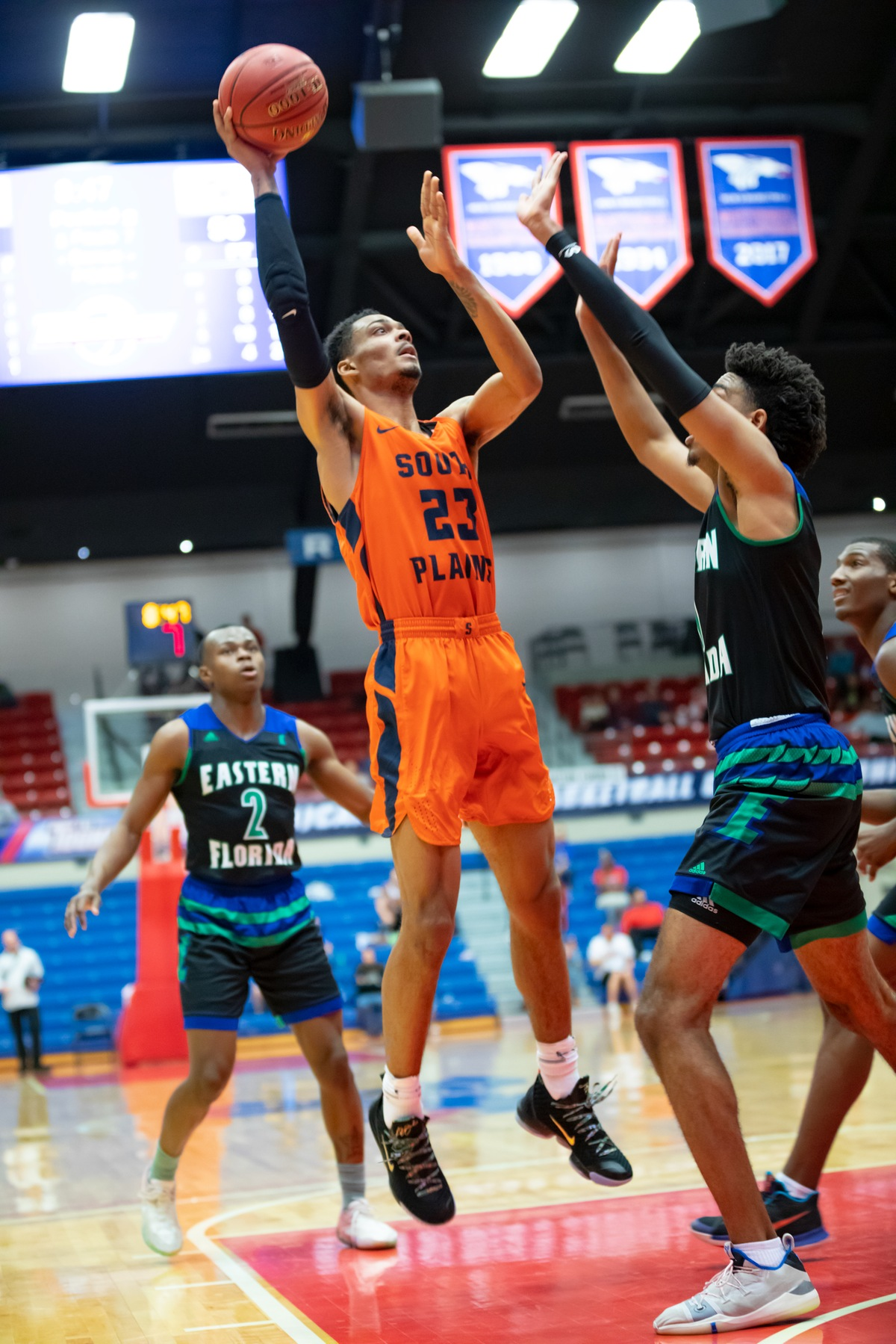 No. 2 Texans edge No. 10 Eastern Florida State 82-74, advance to NJCAA Final Four