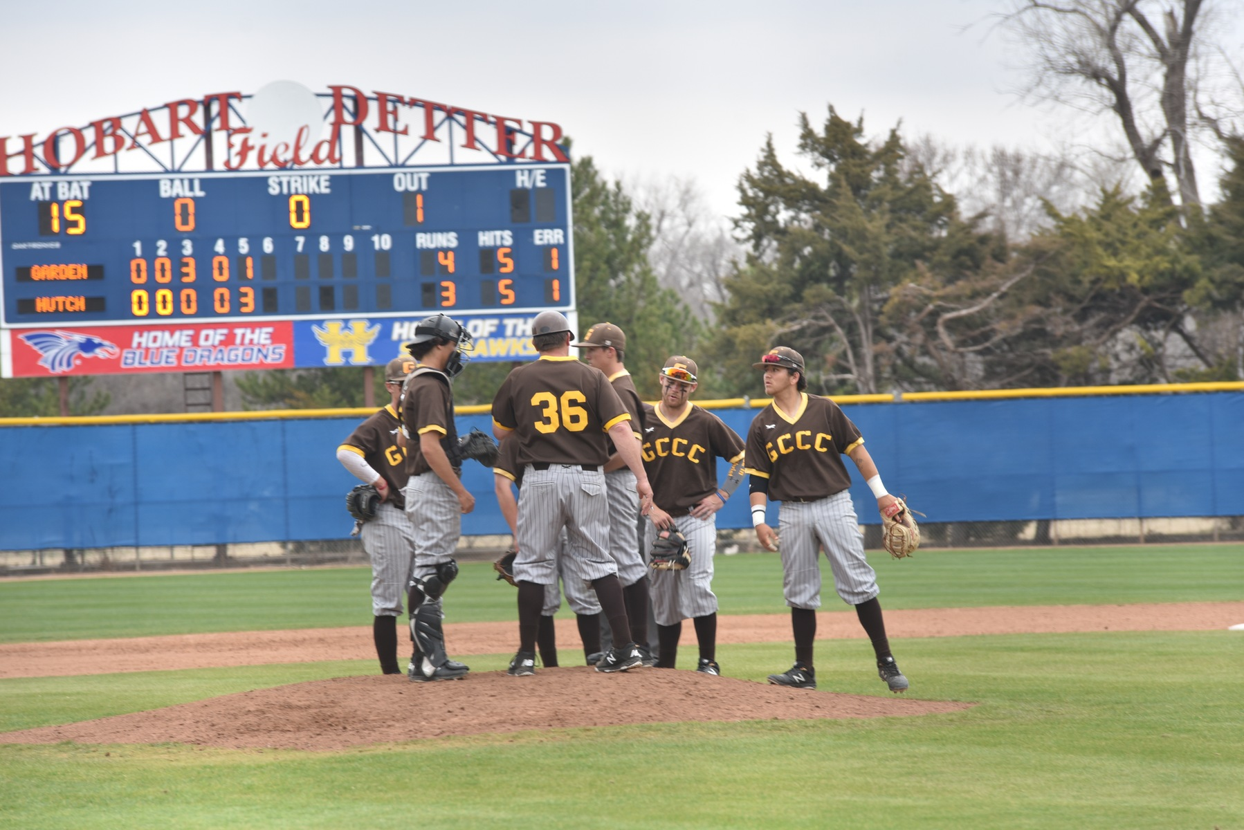 Broncbusters lose to Hutch on walk-off homer
