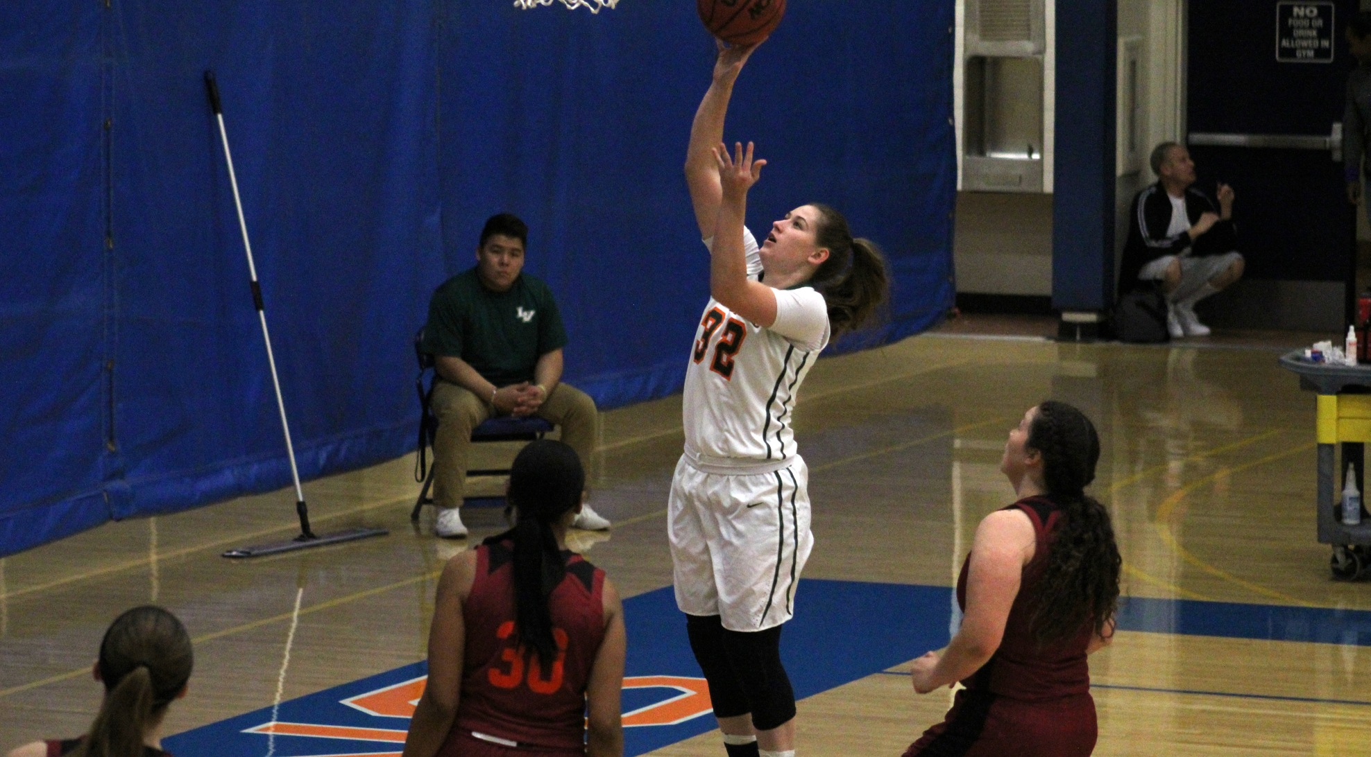 Leopards fall to Ottawa on buzzer-beater