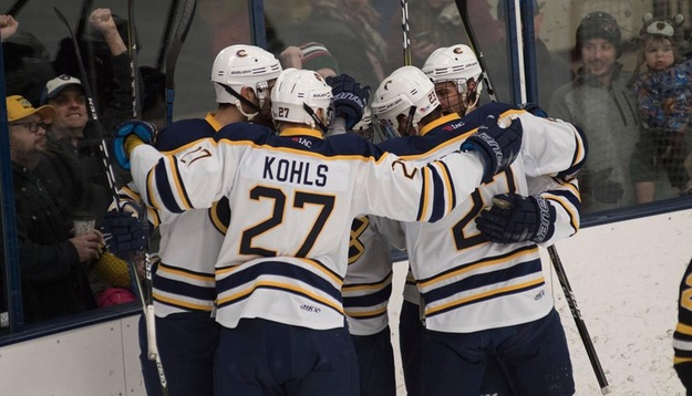 Men's Hockey earns 4-4 draw on the road at No. 2 UW-Stevens Point