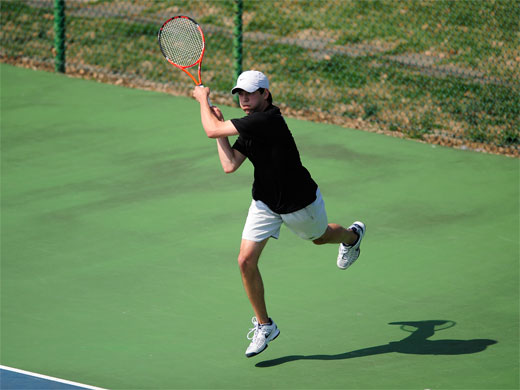 Men's tennis rolls past Dickinson