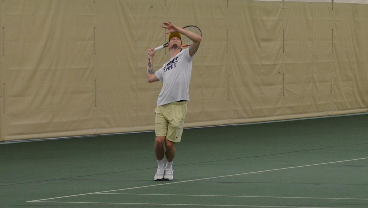 Singles Sweep Propels Men's Tennis to Season's First Win