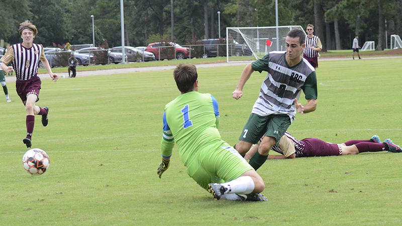 Men's Soccer Starts Season With Convincing Victory