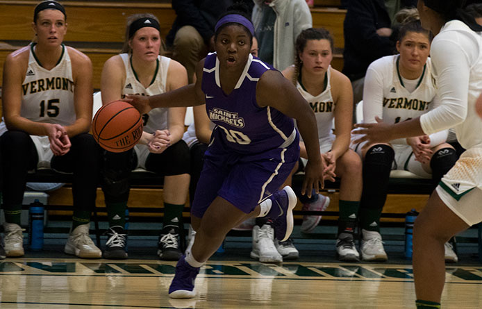 Women's Basketball Hangs with No. 10 Stonehill Before Suffering Setback