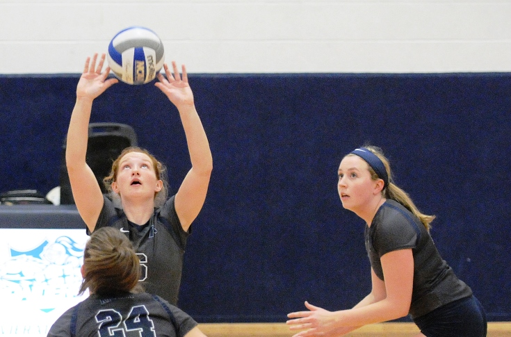 Women's Volleyball: Macken directs Raiders to a pair of GNAC victories