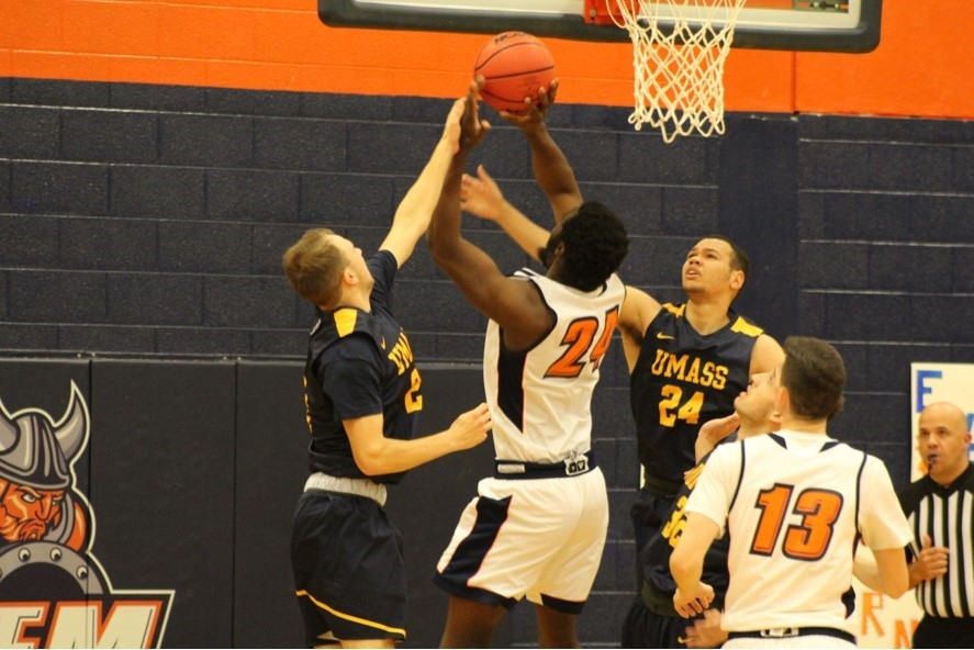 UMass Dartmouth Holds Off Salem State 91-87