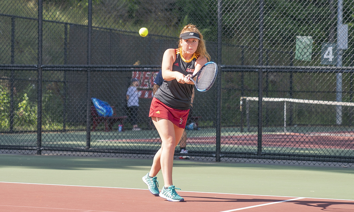 Women's Tennis Extends Winning Streak to Five