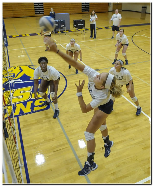Lions' women's volleyball team goes 2-2 in season-opening tournament