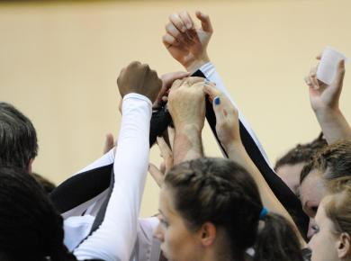 Volleyball Pulls Big Upset Over Birmingham Southern, 3-2