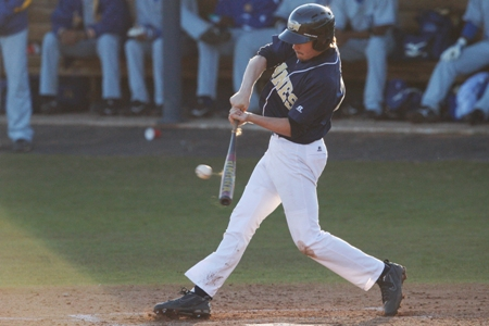 Late runs lead GSW past Lander