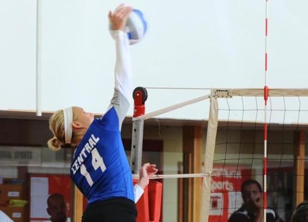 Volleyball Beats Hartford in Four Sets