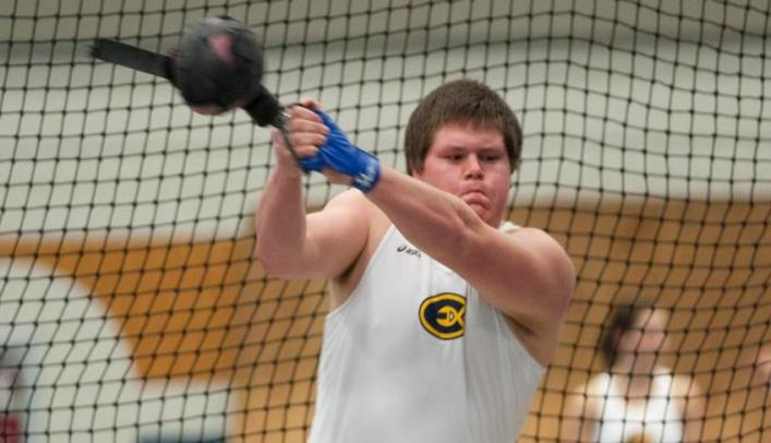 Men's Indoor Track & Field Competes at Warren Bowlus Open
