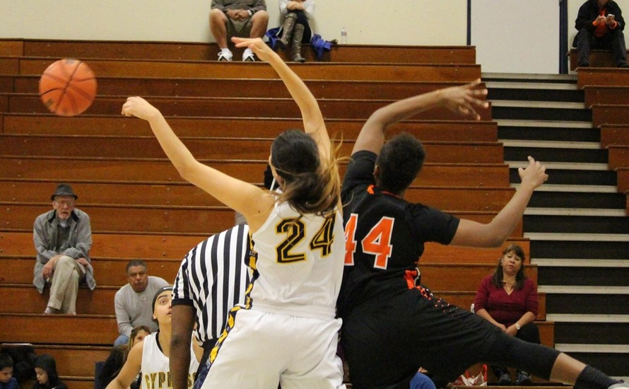 Second Half Surge Pushes Lady Chargers Past Tigers, 82-72
