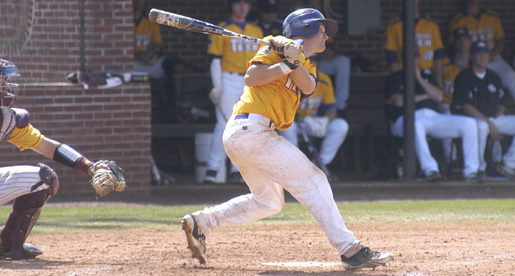 Golden Eagles score 14 runs to claim series victory over Central Michigan