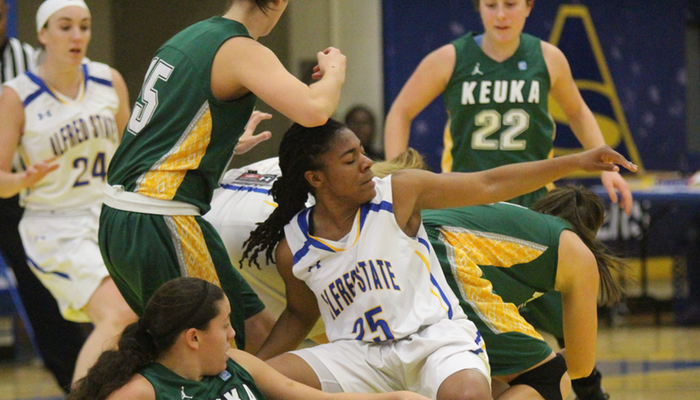 Lady Pioneers Fall in Tight One
