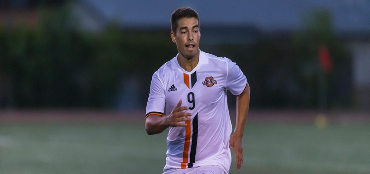 Rosso Leads Oxy Past La Verne