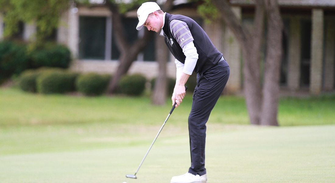 Men's Golf Tie For Second in First Day of West Region Invitational