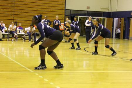 Women's Volleyball Falls 3-0 to Carlow