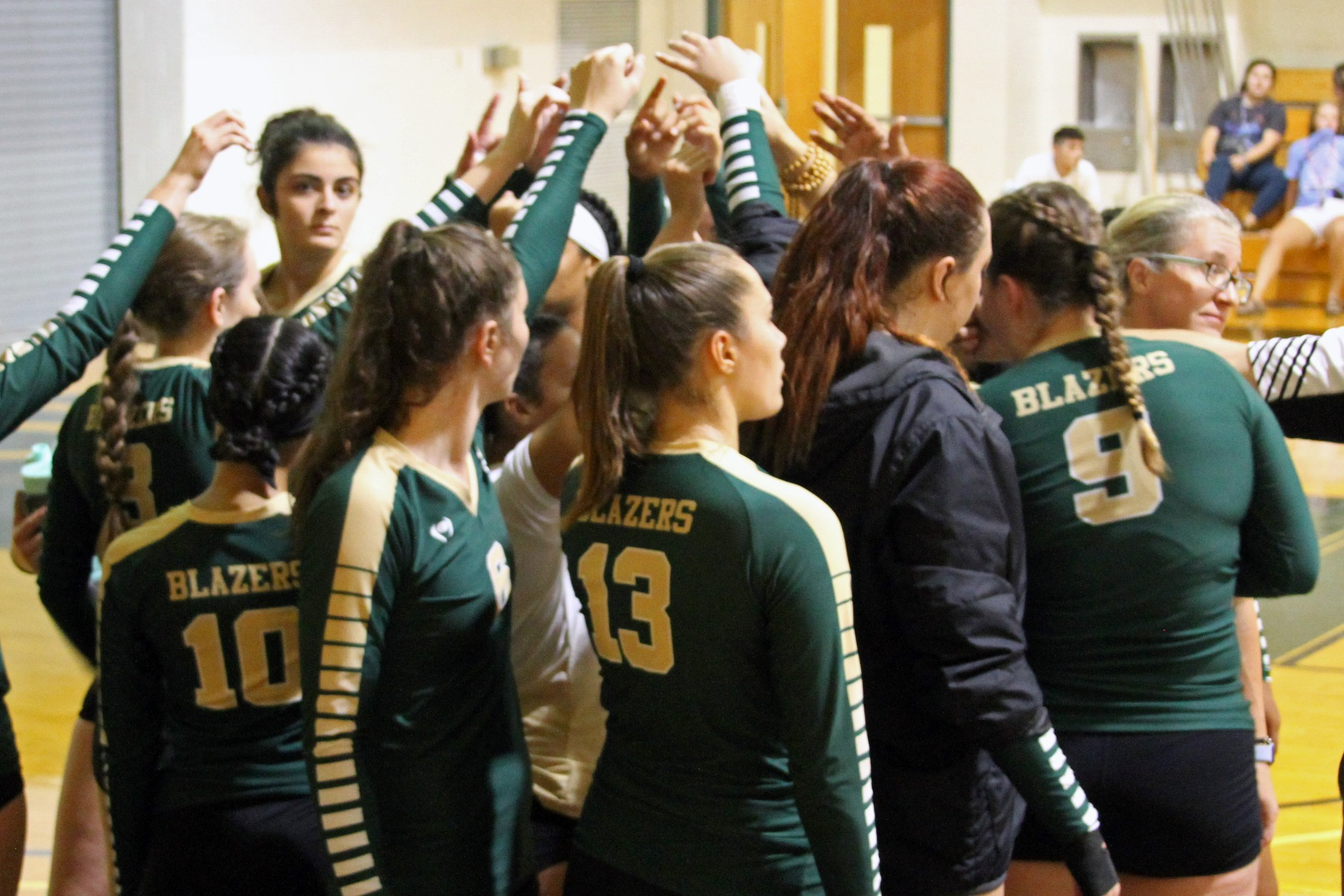 Volleyball Wraps Up Regular Season With Sweep At Mitchell