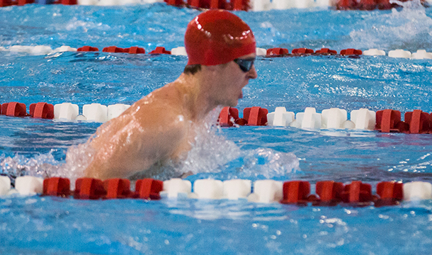 Men's Swimming and Diving Drops to Babson