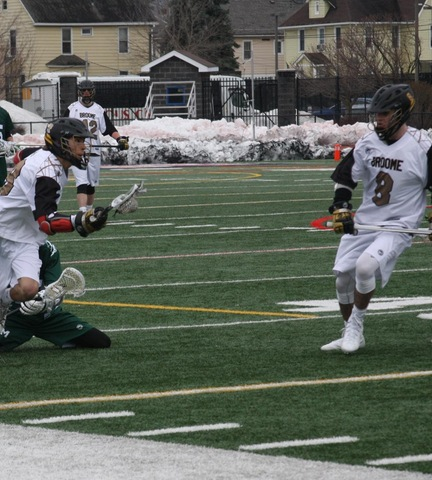 Lacrosse Picks Up First Win