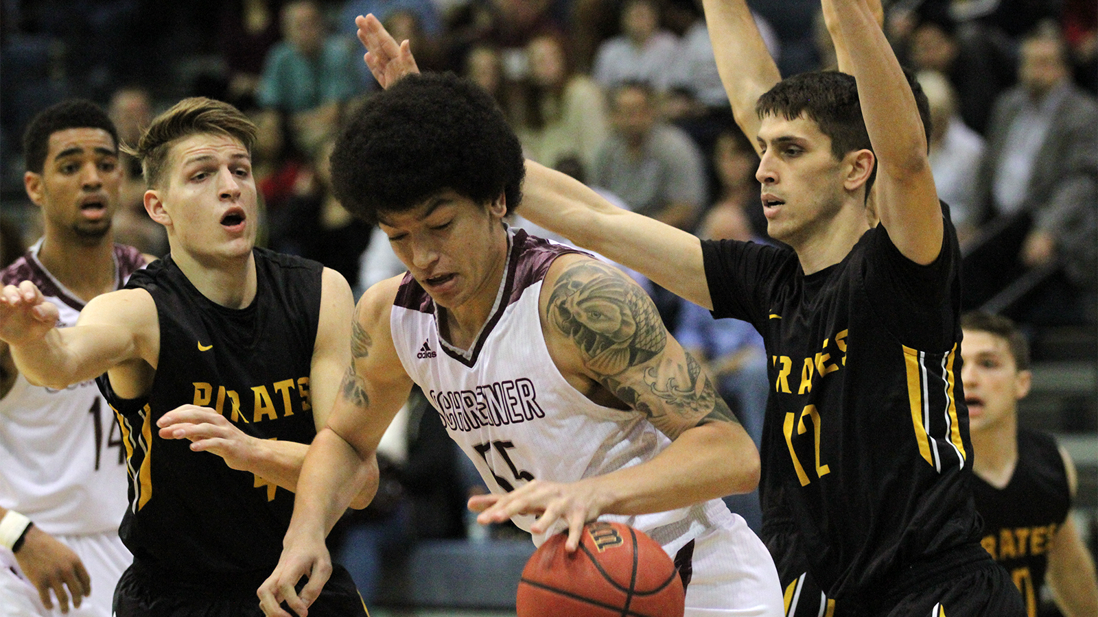 Pirates fall in semifinals to top-seeded Schreiner, 82-76