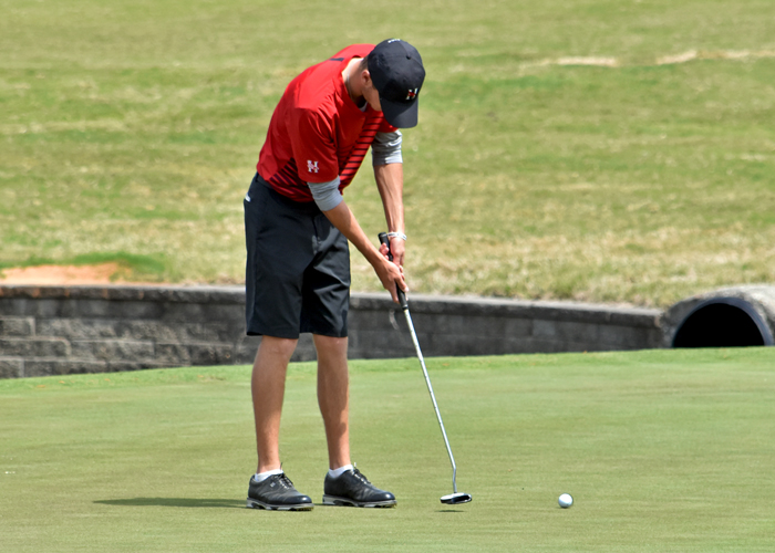 Shephard and Gee lead Hawks in Rd. 1 of Golfweek DIII Invitational