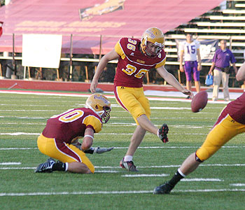 Shawn Snoor tries to convert a kick attempt for FSU (Photo by Big Rapids Pioneer)