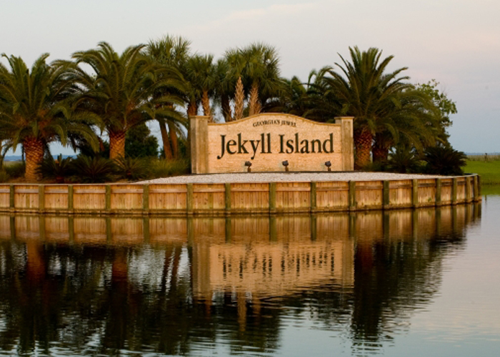 Lady Hawks in 10th after Rd. 1 of Jekyll Island Women's Collegiate