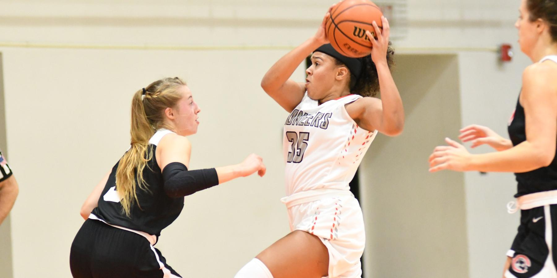 Pioneers drop road game to Redlands in first of California contests