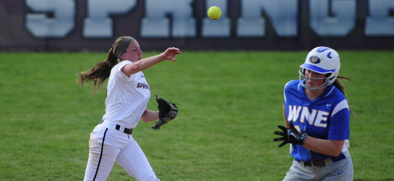 Conley Shines as Softball Sweeps Western New England in Non-Conference Doubleheader