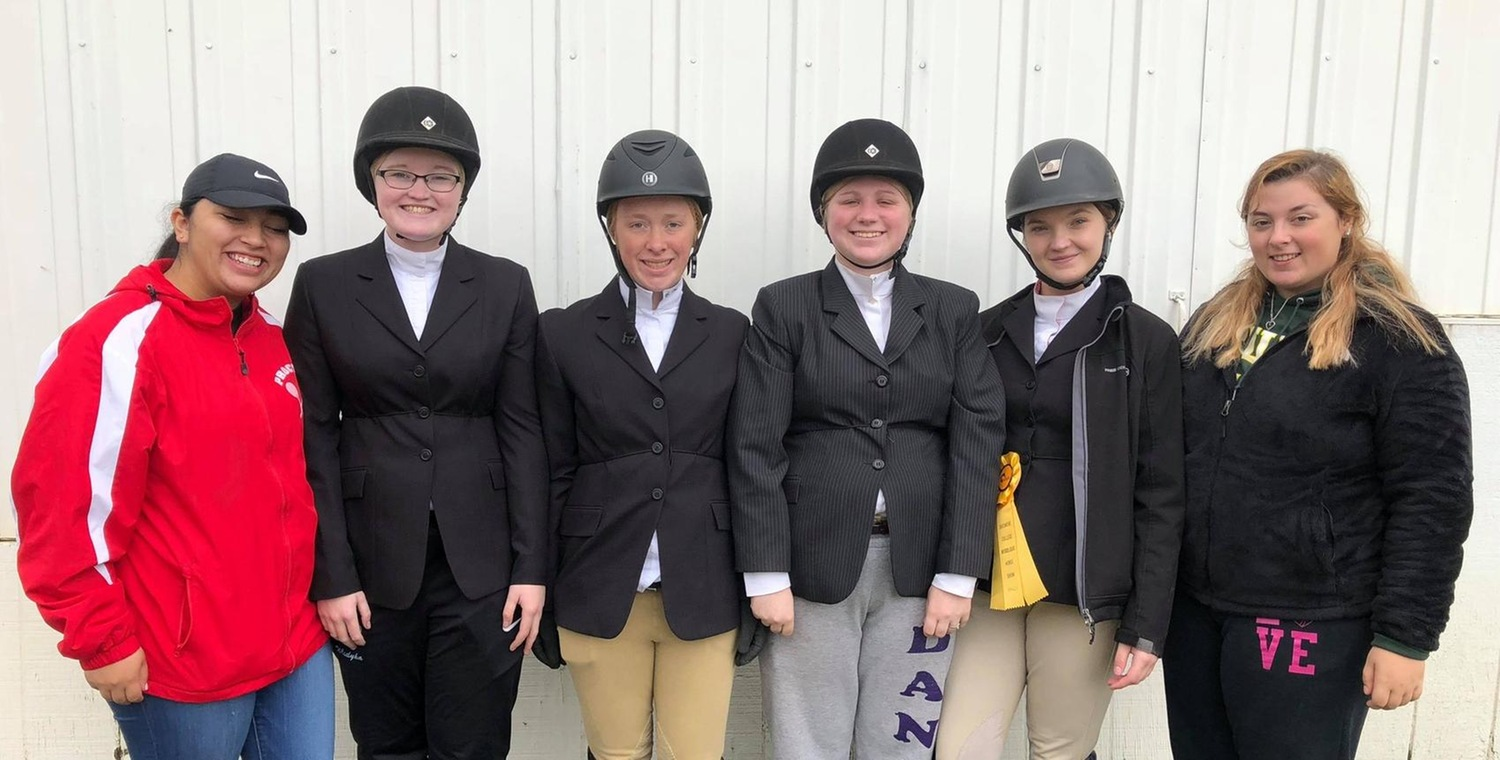 Equestrian Opens Season at Skidmore