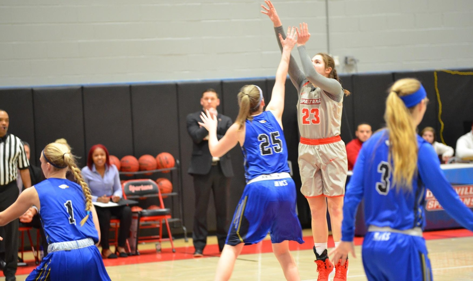 Carpenter Scores a Career High 22 against Hilbert