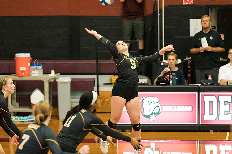 Volleyball Closes Regular Season with 3-0 Victory over Worcester State