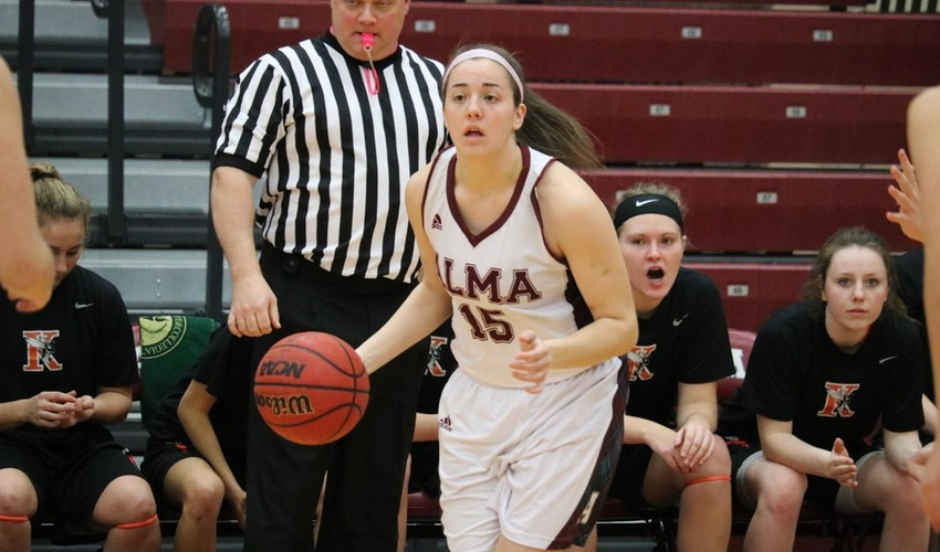 Women's basketball falls at home to #22 Trine