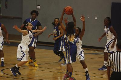 Lady Wildcats Come Up Short in Comeback at JWU Cup