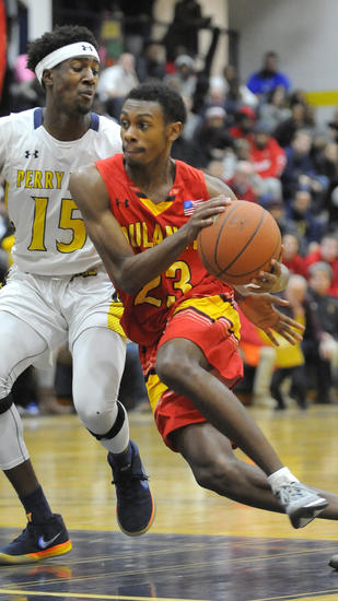 No. 7 Perry Hall boys basketball team survives test from No. 15 Dulaney, wins, 80-77