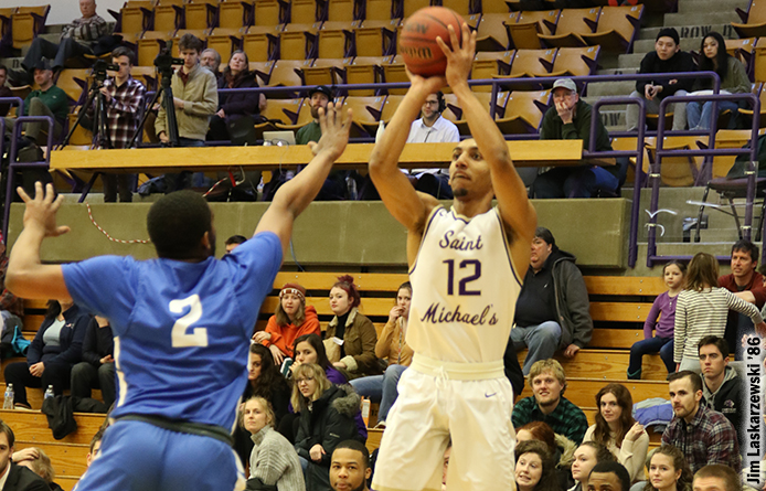 Men's Basketball Rallies Before Suffering 77-74 Loss to Regionally-Ranked Bentley