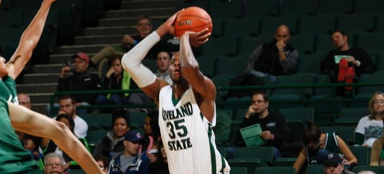 Vikings Win 7th Straight Game, 73-53, Over UIC
