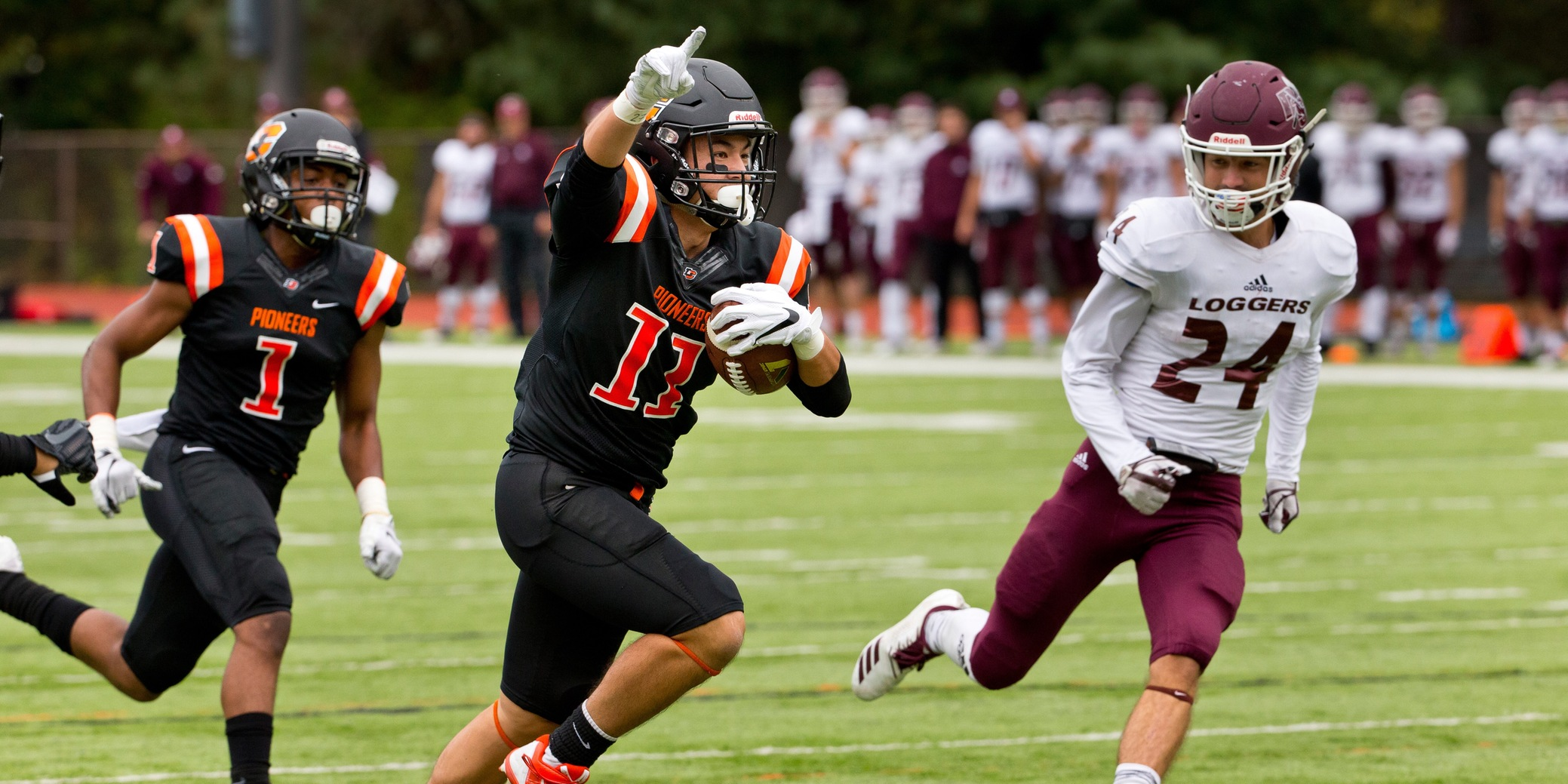 Hosoda breaks single-game receptions record in Homecoming defeat