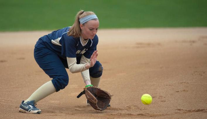 Blugolds Fall to Central, Rain Postpones Second Game