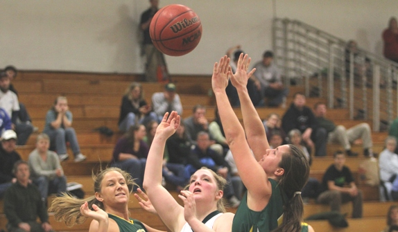 Eagles down Hornets