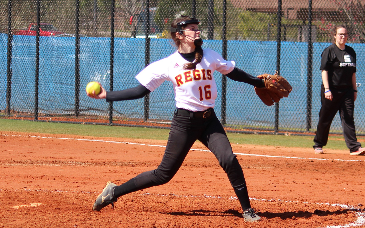 Softball Drops Two on Final Day in Florida