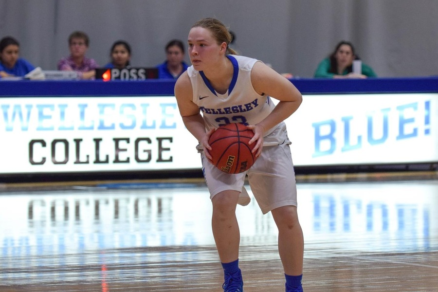 Chelsea Brown and the Wellesley bench combined for 31 points in the setback (Julia Monaco).