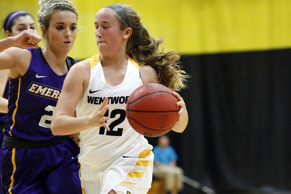 Women's Basketball Outlasts Nichols for First Conference Win