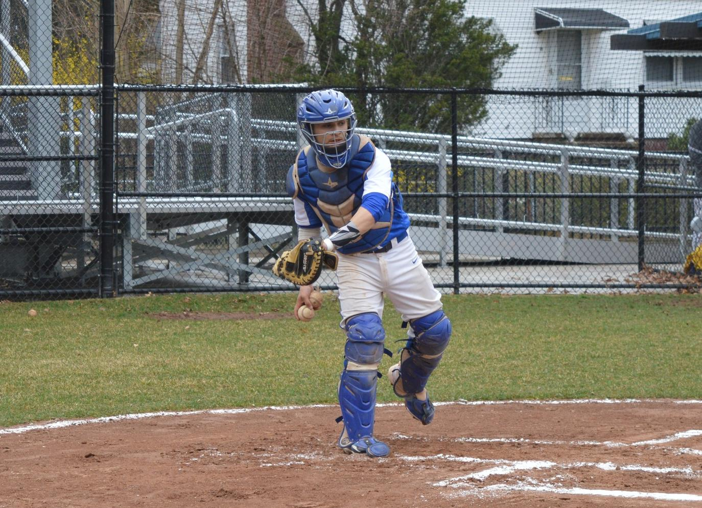 Baseball Sweeps Twinbill at Rivier
