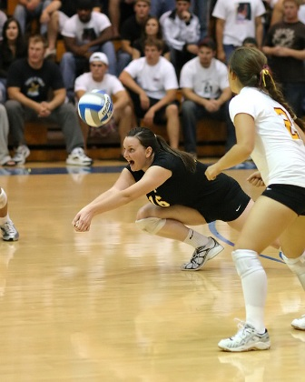 Athenas Sweep the Week with Win Over Regionally Ranked Cal Lutheran