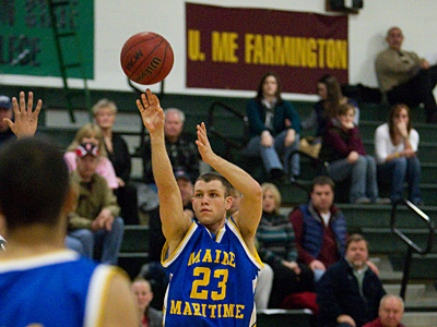 FRAMINGHAM DEFEATS MAINE MARITIME IN COLBY CONSOLATION GAME