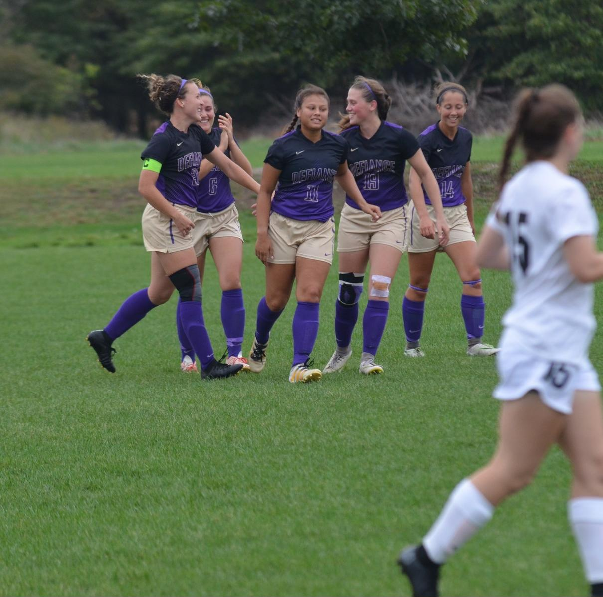 Women's Soccer Wins in Thrilling Fashion