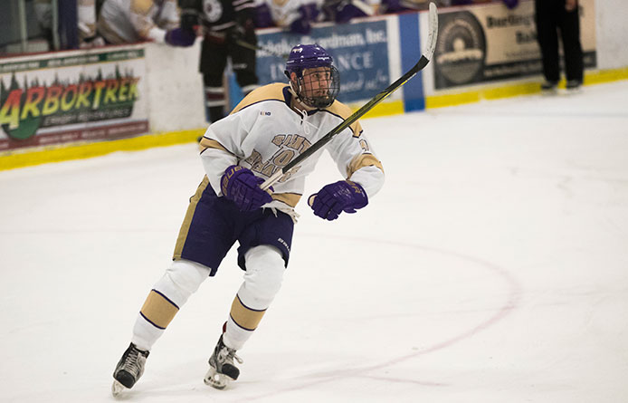 Men's Ice Hockey Falls Short in Overtime Action Against Wesleyan, 3-2